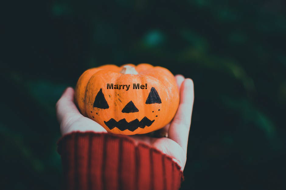 keepsakes-jewelry-and-gifts-halloween-pumpkin-carving-proposal