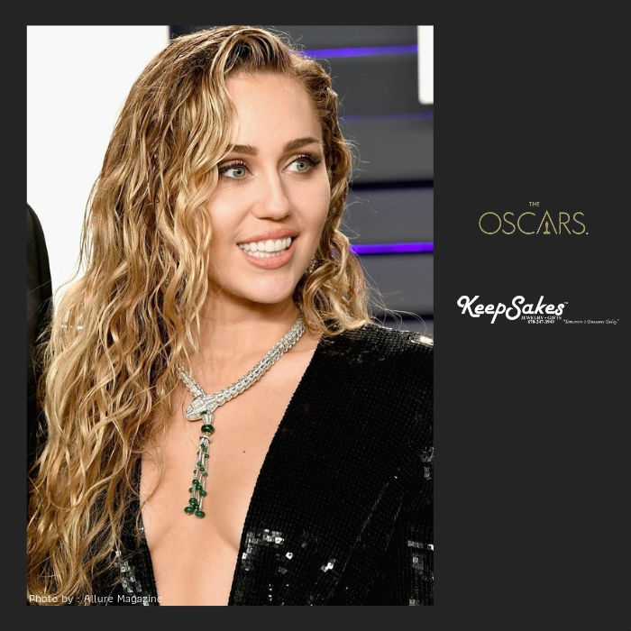 oscars-2019-miley-cyrus-keepsakes-jewelry-and-gifts